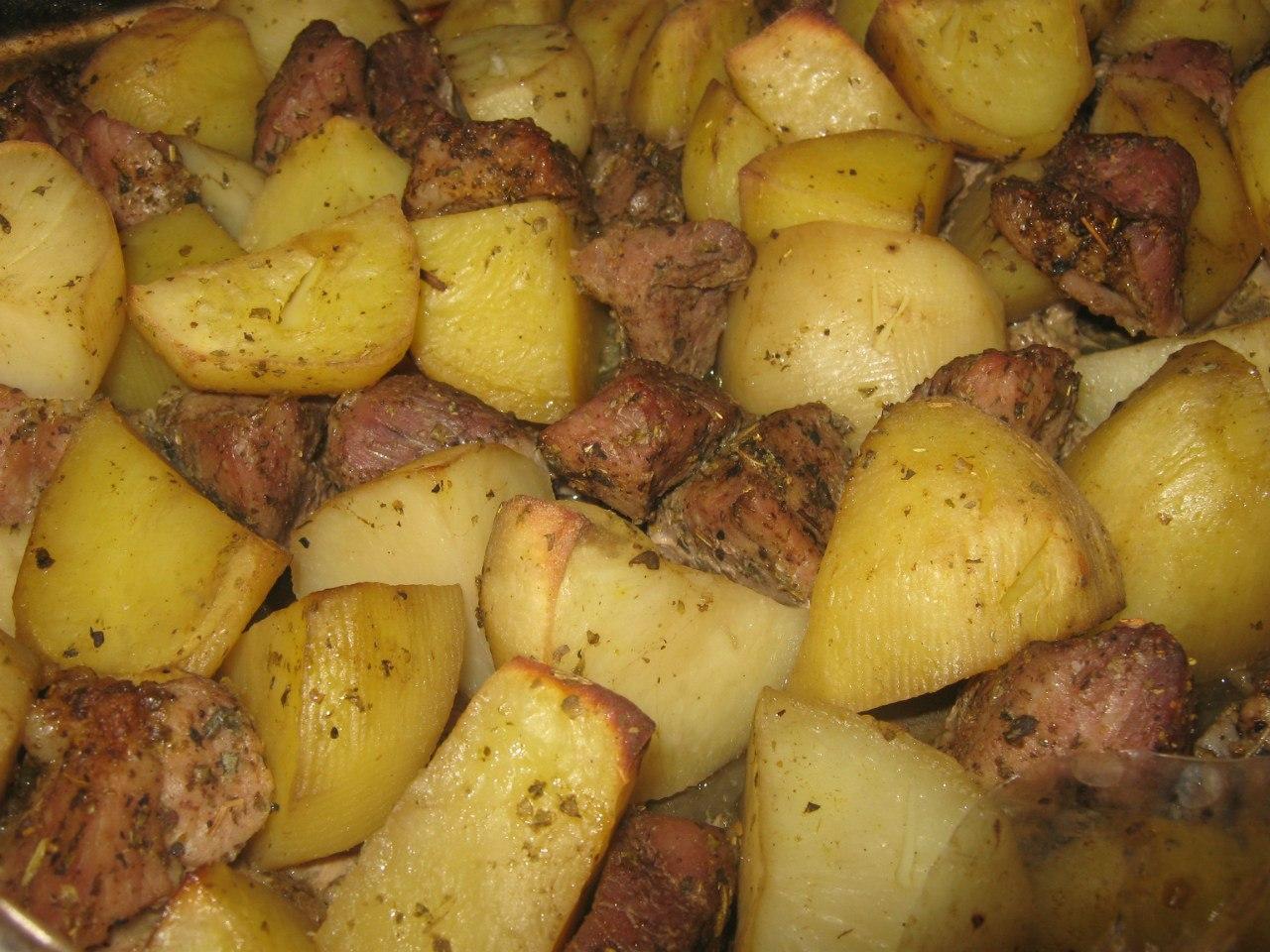 Запечь свинину с картошкой в духовке рецепт